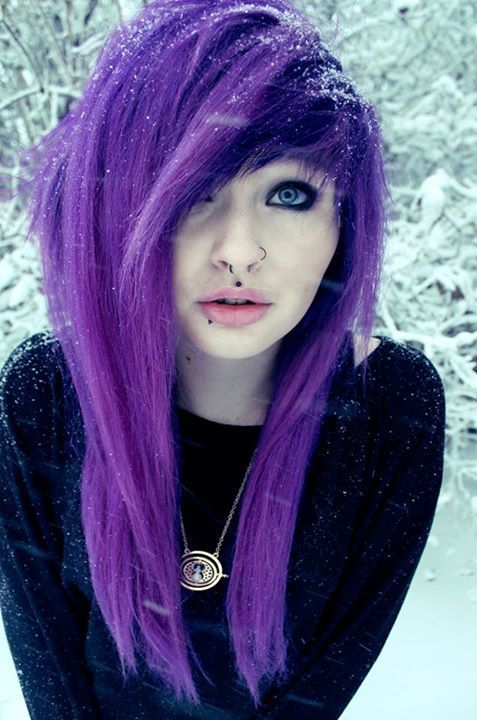 Most popular tags for this image include: purple hair, alt girl, dyed hair, grunge and scene