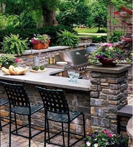 Outdoor Dining Area With Stacked Stone. A Built In Dining Area To The Left  Of The Grill Provides The Perfect Spot For A Casual Dinner Or A Place To ...