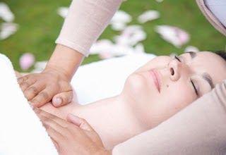 Apabila dengar penyakit kanser payudara mesti anda dah tahu bahayanya penyakit tersebut. Kini terdapat pelbagai teknologi terkini untuk merawat kanser payudara. Antaranya:  Terapi Hormon Pembentukan Cara ini mengurangkan kanser daripada berulang di samping menghalang pembentukan estrogen dalam tubuh.  Lakukan Kemoterapi Ia merupakan rawatan utama yang diberikan secara kitaran apabila kanser merebak ke bahagian lain dengan mengambil masa 3-6 bulan.  Terapi Radiasi Rawatan yang memusnahkan sel…