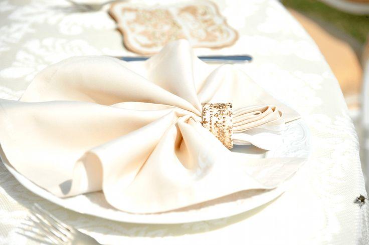 July 2015: Victorian Glamour Wedding Theme | Satori Art & Event Design | Cluj Napoca, Romania -  Victorian Glamour Wedding Decor - Gold & Ivory - Elegant, Antique, Vintage, Handpainted, Handmade -Table Setting , Napkin Ring - by Satori Art & Event Design