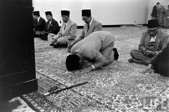 Sukarno Prayer