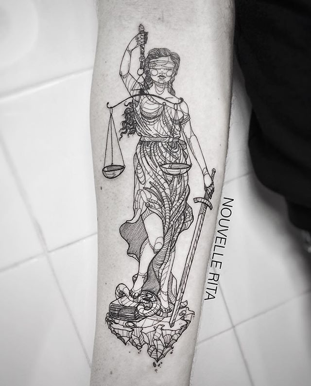 #nouvellerita #justice #lady #tattoo #tattrx #linework #blackworkers