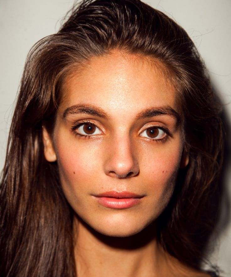 Caitlin Stasey goes full frontal nude on new feminist