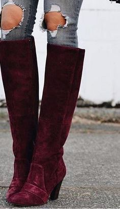 Obsessed with these suede boots!