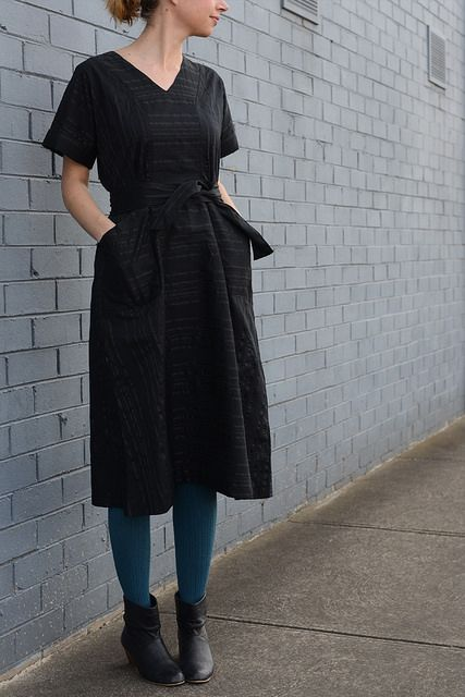 BOMBAZINE :: I'm trying to lift my glamour standards a little so I made this @sewhouse7 Tea House dress in a slightly fancy @tessutifabrics rayon. Now If only I had somewhere to wear it....! More pics, make details and musings on dressing up are all over on the blog. #teahousedress #dressup #sewing