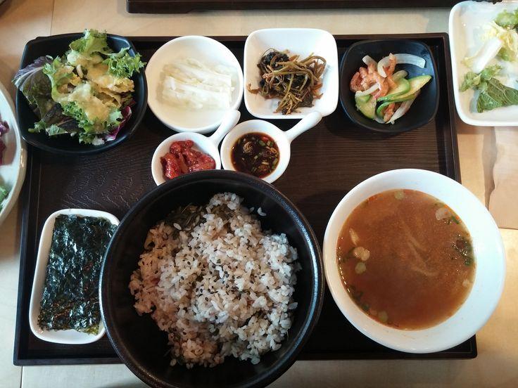 호텔 한식당은 부담스럽고, 김밥천국은 저렴하다면? #무명식당