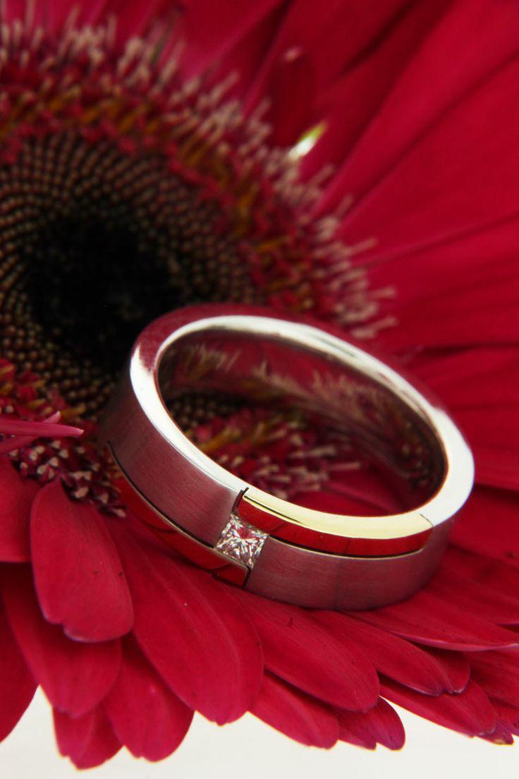 MENS #diamond #ring  LOVE LOVE  Simple and stylish 18ct white gold mens diamond wedding ring #love #marryme #diamondring #diamond #mensdiamondring #weddingring #diamondsinternational