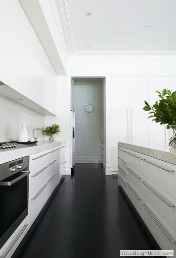 view: kitchen into butlers pantry