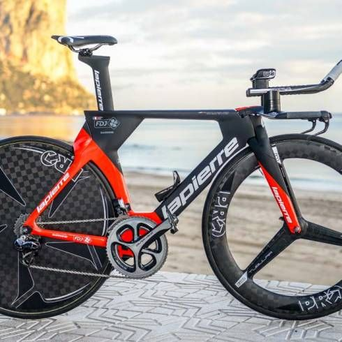 Tour de France contender and his teammates get a more aerodynamic TT bike