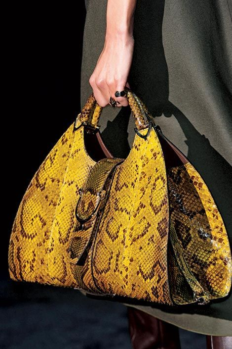 Gucci winter 2012 What a lovely bag made by Gucci. Gucci makes very beautiful bags! I love them very much. It looks great!