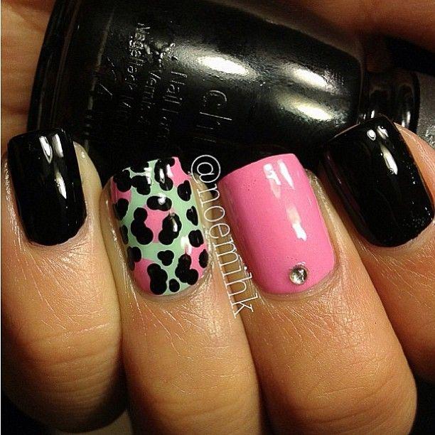 mints & black leopard mani