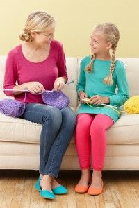4 Way You can Learn to Knit or Crochet with Lion Brand!