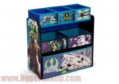 Štýlová detská komoda organizér na hračky Star Wars. Drevené boky komody sú maľované. Komoda obsahuje 6 plátených prepraviek o rôznych veľkostiach. Detský nábytok je možné využiť od narodenia na rôzne potreby pre bábätko až po ukladanie hračiek.Je dobre dostupná deťom tak, že si samy môžu ukladať svoje veci.Určené pre deti od 3 rokov.Rozmery : výška -60 cm x dĺžka -63 cm x šírka -30 cmDodáva sa v demonte - jednoduchá montáž.Detská komoda organizér Disney Star Wars | PREDAJ | HYPERNAKUP.COM