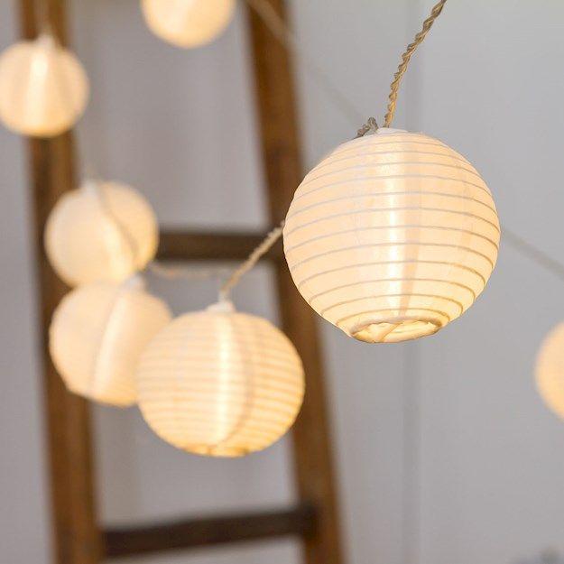 Dekolichterkette 28 m, 80 Lampions Ø 8 cm mit warmweißen LEDs, transparentes Kabel - Verzierte Lichterketten