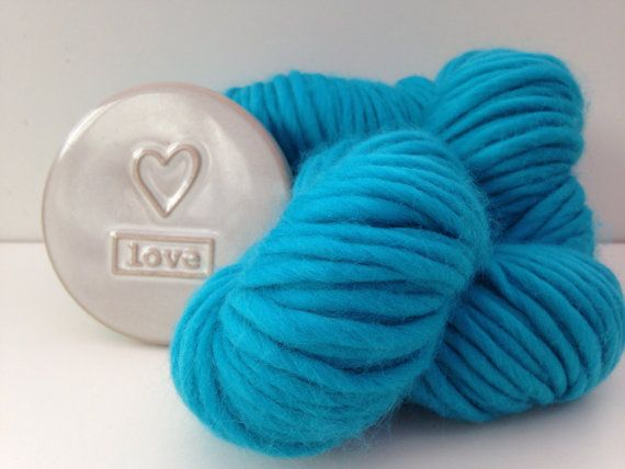 Chunky wool yarn. Turquoise Blue Super bulky by WoolCoutureCompany