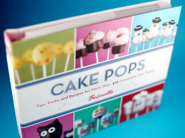 Bakerella... genius, and YUMMY cakepops :)
