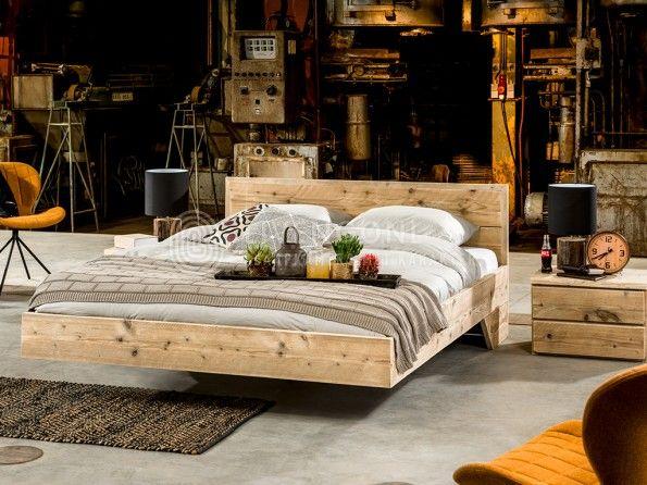Geweldig zwevend bed van steigerhout   model Flow   scaffold wood bed Flow   http://www.livengo.nl/steigerhouten-bed-flow   #steigerhouten #bedden #slapen #livengo
