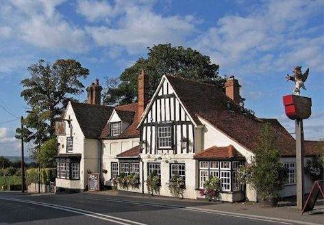 The Griffin is located in the village of Danbury, Essex. Just off the A12 on the main road between Chelmsford and Maldon.