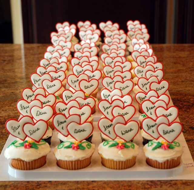 107 best bridal shower cupcakes images on pinterest for Wedding shower cupcakes