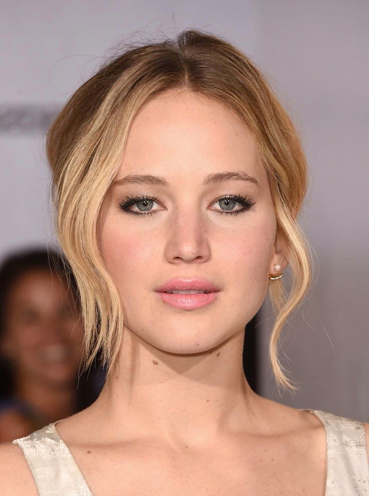 Jennifer Lawrence | Mockingjay part 1 premiere Updo