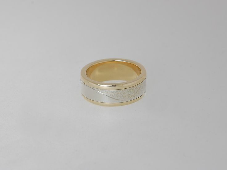 -CM440r- Yellow and white gold band.