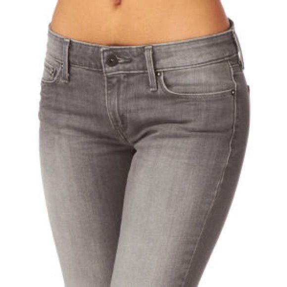levis jeans damen curve id super jeans in dieser saison. Black Bedroom Furniture Sets. Home Design Ideas