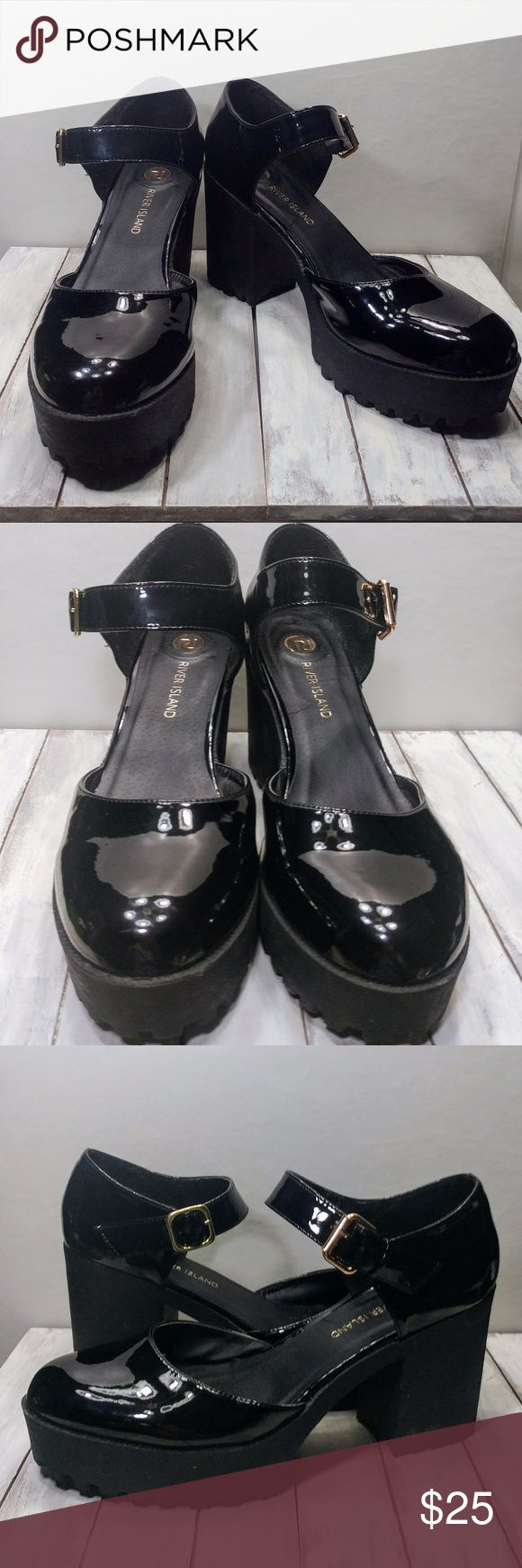 """River Island Chunky Platform Mary Janes These awesome platforms remind me of those cool grunge girls from the 90s! Euro size 41, heels are about 4"""". Excellent used condition, normal signs of wear. River Island Shoes Platforms"""