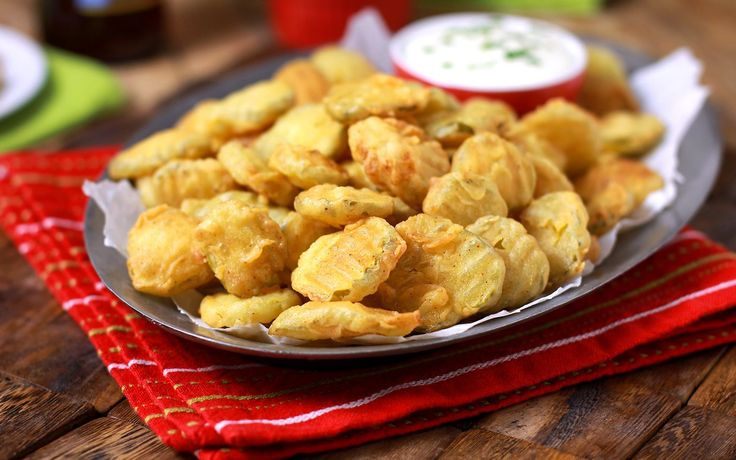 Hooter's Copycat Fried Pickles | You just can't beat this appetizer recipe!