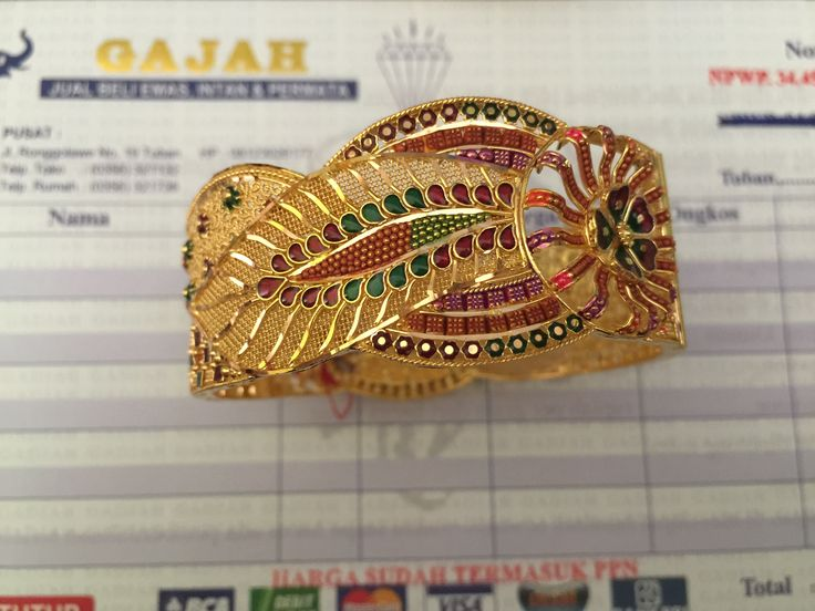 22k Gold India / Dubai Gold Bangle