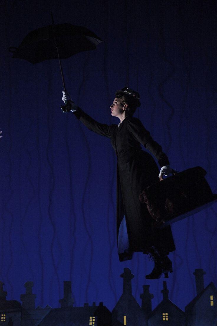 ¡HOY es el día!  No te pierdas las presentación oficial de Majo Pérez como Mary Poppins en la función de las 17 hrs.  ¡Te esperamos!