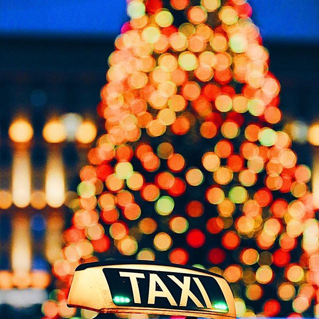 Mmm... Christmas tree? It's Christmas in Russia today 😊🎄🎈🎉 #срождеством !!! bokeh