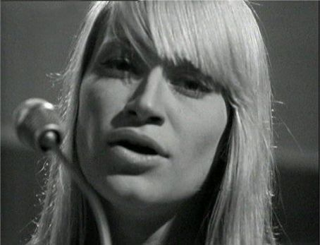 Mary Travers of the 60's folk group Peter, Paul and Mary.