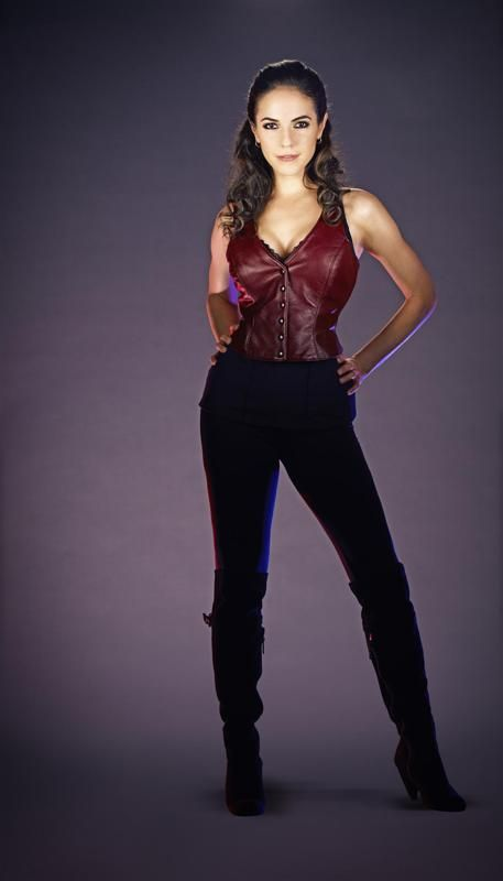 Anna Silk plays Bo in the series Lost Girl. - ah the object of my desires...