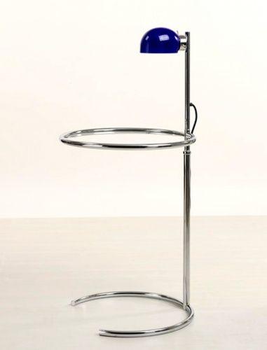 Tavolino con lampada in vetro Murano, vetro disponibile in verde, bianco e blu / Small table with lamp in Murano glass, available in blue, green and white: franca@contractandmore.com