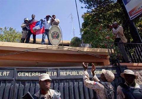 Revista El Cañero: ARREAN LA BANDERA DOMINICANA Y ONDEAN LA HAITIANA