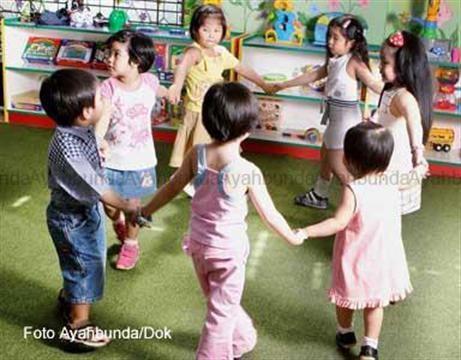 :: 4 Bekal Anak Bersosialisasi di Prasekolah :: Psikologi :: Artikel :: Ayahbunda ::