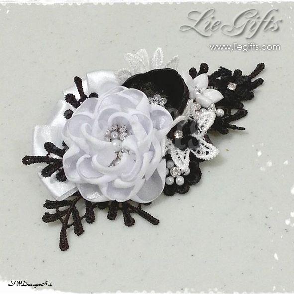 Line : liegift HP : 08123464748