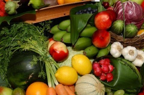 Comer fruta y verdura cada día ayuda a ser más feliz.