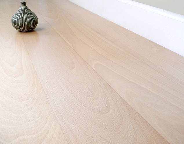 White Beech Click Wood Flooring @ £15 per m2 (57.02 m2 of stock)
