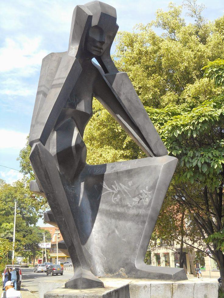Homenaje a la fecundidad Salvador Arango Medellín - Colombia