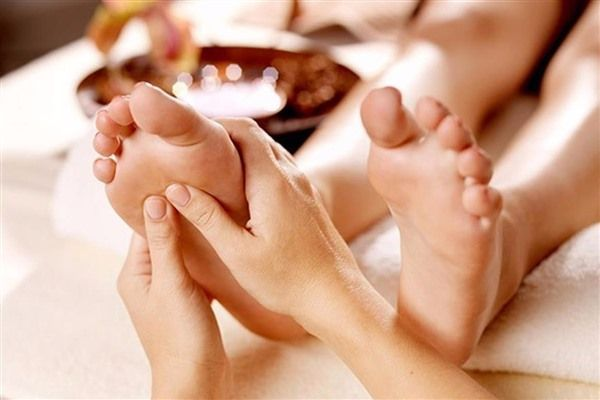 Foot Reflexology- Relieve from tension is an alternate option from #massage therapy in #Victoria #Mictham #London...