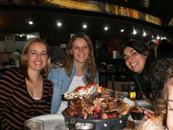 Cenar con amigas