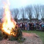 Burgemeester ontsteekt vreugdevuur Oisterwijk