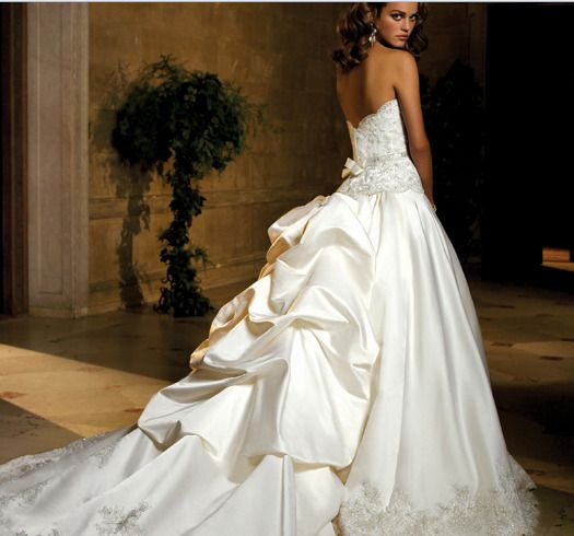 royal train wedding dress
