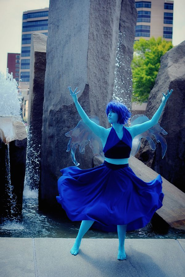Awsome Lapis Lazuli Cosplay 0o0 . . . SU (Steven Universe) Those wings though they're just perfect.