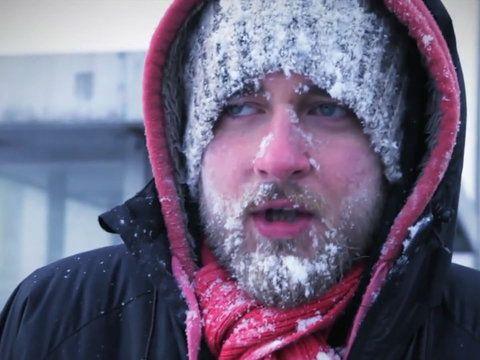 Zima. Przez jednych lubiana, a przez drugich znienawidzona pora roku. Niewątpliwie ten okres w roku wywołuje skrajne emocje w ludziach. Zobacz, 14 powodów, przez które nienawidzimy zimy.