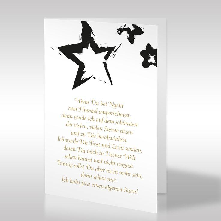 """Drei Stern-Motive verzieren diese Trauerkarte und nehmen Bezug auf das darunter stehende Gedicht, welches lautet """"Wenn Du bei Nacht zum Himmel emporschaust, dann werde ich auf dem schönsten der vielen, vielen Sterne sitzen und zu Dir herabwinken. (…) https://www.design-trauerkarten.de/produkt/sternenfirmament/"""