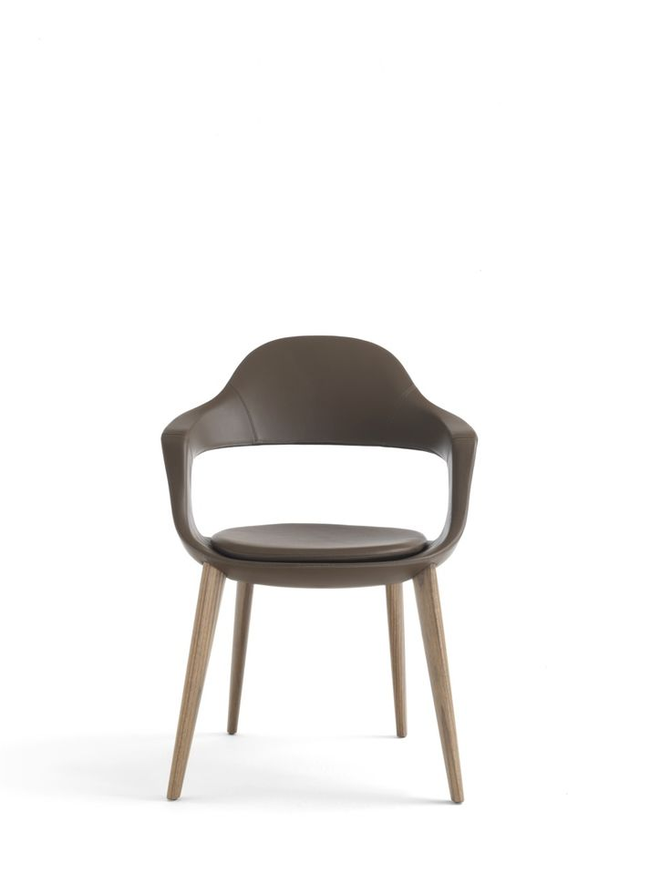 Frenchkiss chair with high back and Canaletto walnut legs