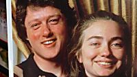 A Tragic Photo Of Bill Clinton And Hilary Clinton's In College! Check Out The Shocking Details You Never Would've Noticed