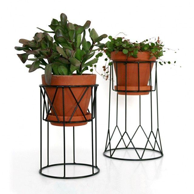 Piedestal, hög, svart - vaser, krukor & skålar - INREDNING